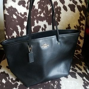 Coach Large Crossgrain Leather Taxi Tote